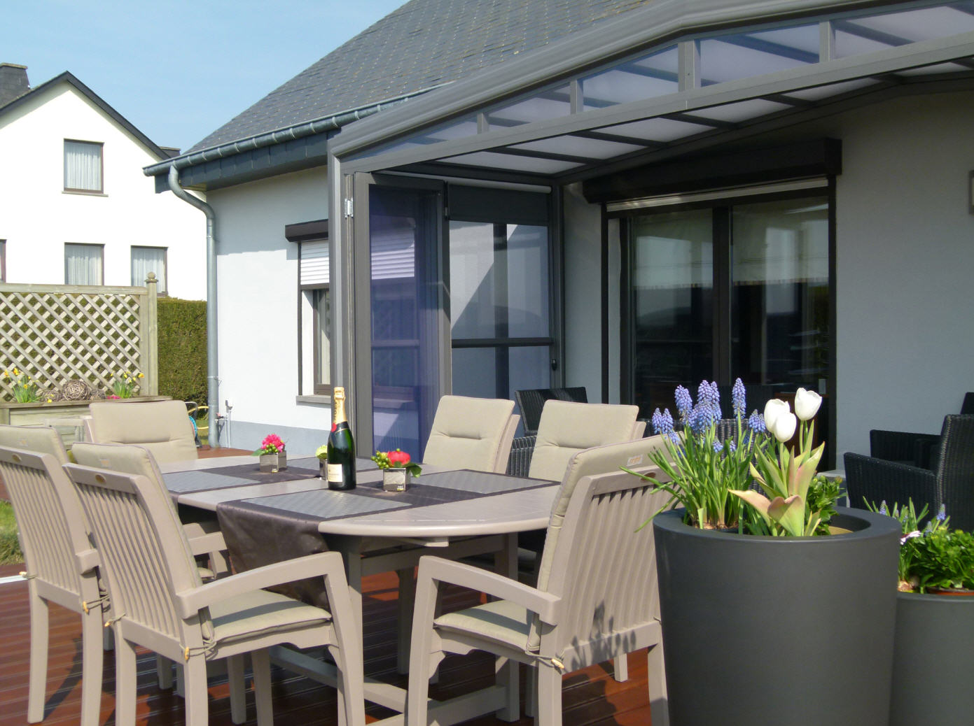 PatioScopic-Residential-Patio-Enclosure-Anthracite-Colour-Open-09
